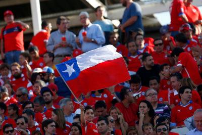 VIDEO |Hinchas chilenos en himno de Venezuela: respetuoso silencio y aplausos