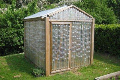 VIDEO | Cómo hacer un invernadero con botellas de plástico