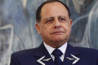 """Comandante en jefe de la FACh defiende pensiones de FF.AA.: """"Nuestra misión es diferente"""""""