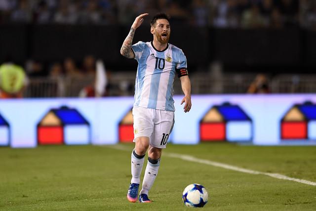 FIFA sanciona con cuatro partidos a Lionel Messi por insultos a juez de línea