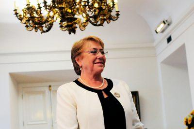 """Bachelet a Piñera: """"Hay gente que quiere mantener las cosas como están"""""""