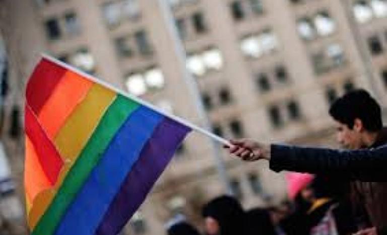 Movilh: Santiago y Valparaíso las regiones con más casos de discriminación