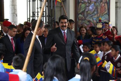 """Gobierno venezolano asegura que """"es falso que se haya consumado un golpe de Estado"""""""