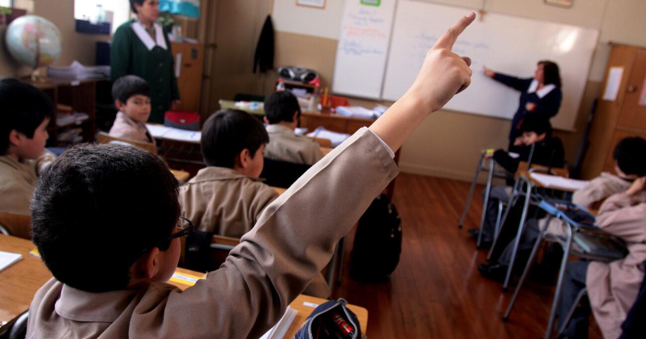 Aplaudida carta de un profesor de Valparaíso a los padres justo antes de la entrega de notas