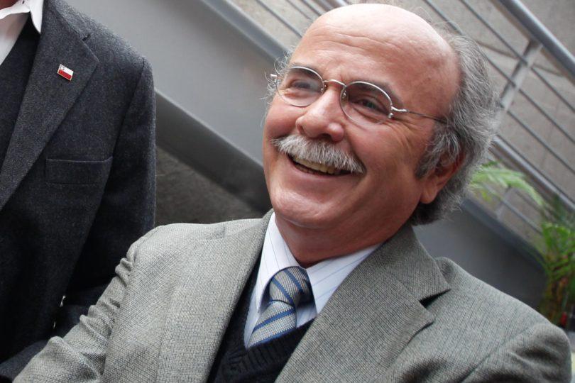 """Ex concejal PC tira el mantel y acusa """"movidas de platas"""" de Tellier y Gutiérrez"""