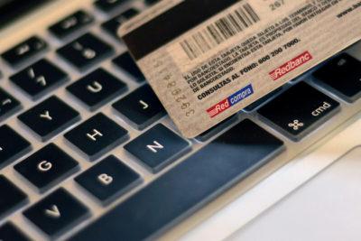 La lista negra del Sernac de las empresas con más reclamos por compras online