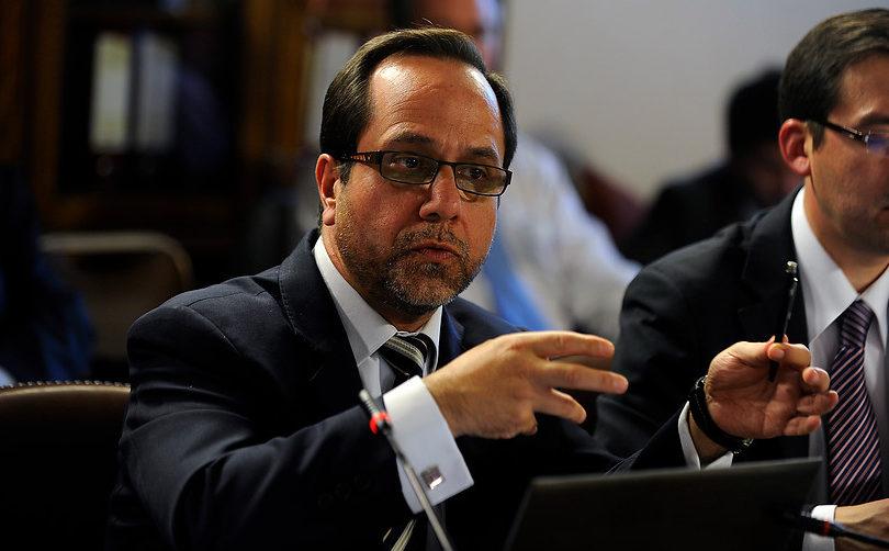 """La defensa del ex contralor Ramiro Mendoza a los """"guetos verticales"""" de Estación Central"""