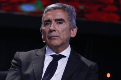"""Carlos Peña por informes copy paste: """"¿El Alejandro periodista habría aceptado la explicación del Alejandro candidato?"""""""