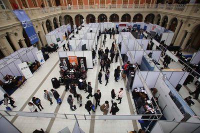 Donaciones a universidades caen a mínimo histórico en 2016