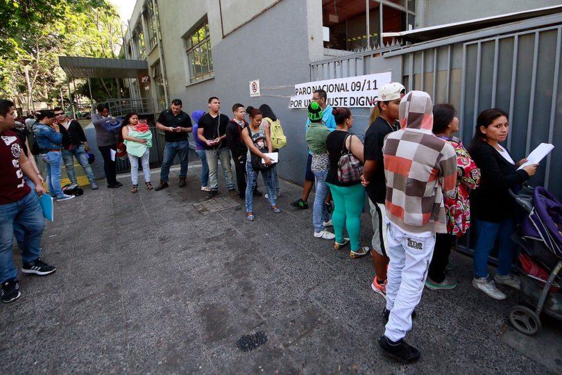 Comienza protesta del Registro Civil: anunciaron retraso de 15 minutos en inicio de atención