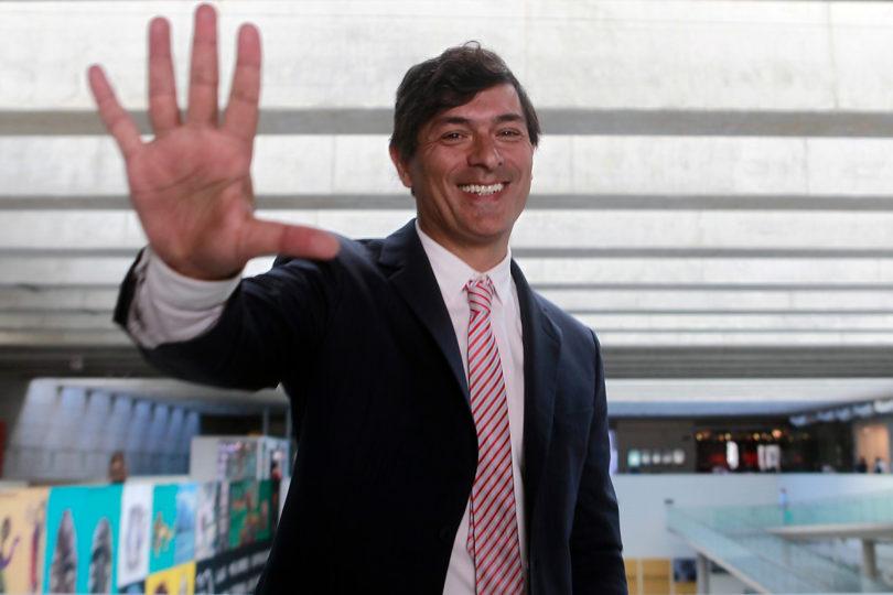 Franco Parisi inicia campaña presidencial a metros del Palacio de La Moneda