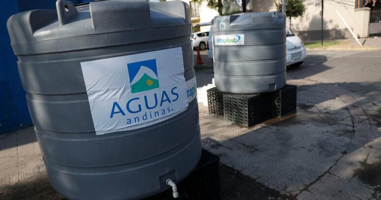 """""""Aguas Andinas no compensará a la población afectada por el corte de suministro en RM"""""""