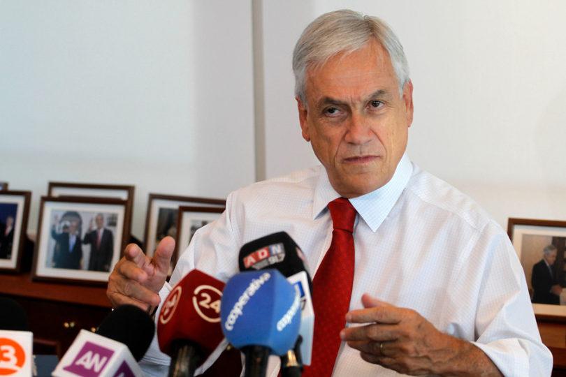 Piñera critica duramente cierre de colegios pese a que en su gobierno se cerró el doble