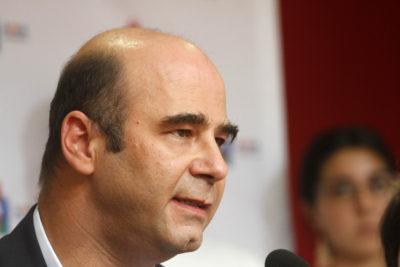 Fernando Atria se acerca al Frente Amplio en medio de rumores de renuncia al PS