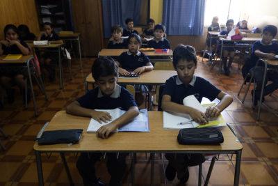 ¿Por qué se postergó la reforma que divide la educación en 6 años de básica y 6 de media?