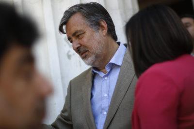 Guillier desmiente patrimonio de 5 mil millones de su esposa y acusa error de cálculo