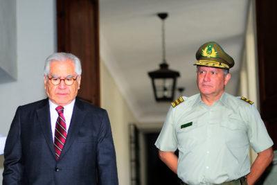 """""""Ha dicho que no sabía y yo le creo"""": La defensa de Interior a Gral. Villalobos por Pacogate"""