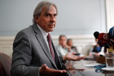 """Moreira: """"Los que rechazan homenaje a Edwards se dan codazos para salir en portada de El Mercurio"""""""