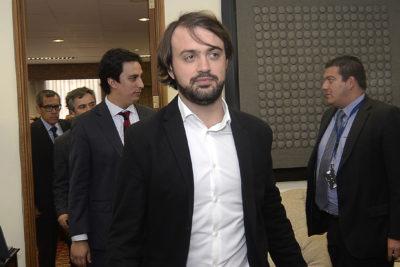 Sharp saca la calculadora y busca cobrar millonaria deuda del Congreso a Valparaíso