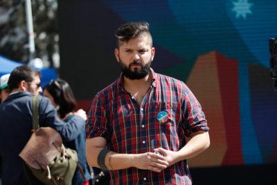 """Gabriel Boric celebra: """"El CAE que condenó a familias a deudas millonarias llegó a su fin"""""""