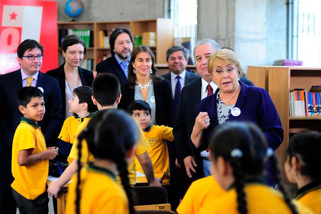 Desmunicipalización de la educación partirá en 2018 en el Gran Santiago