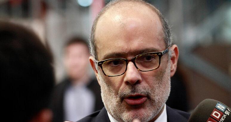 """""""Ni un peso más a las AFP: Ministro Valdés confirmó que no administrarán el 5% de cotización adicional"""""""