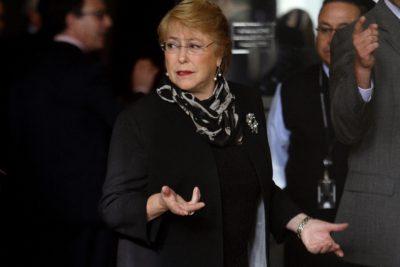 Bachelet declara la guerra a la post-verdad: cuestiona noticias falsas y rumores en redes sociales