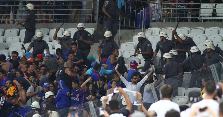 VIDEO | Insólito: hinchas de la U encaran a Matías Rodríguez por criticar los destrozos en Brasil