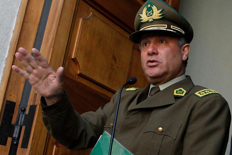 """Justicia devuelve querella por fraude en Carabineros a general Villalobos por """"imprecisiones"""""""