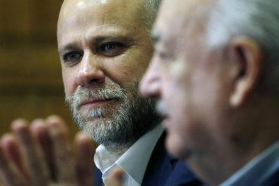"""Teillier plantea que un quiebre en la NM sería una """"irresponsabilidad histórica"""""""