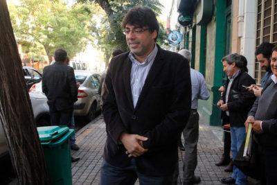 Alcalde Daniel Jadue se planta a Aguas Andinas y pide renacionalizar el agua potable