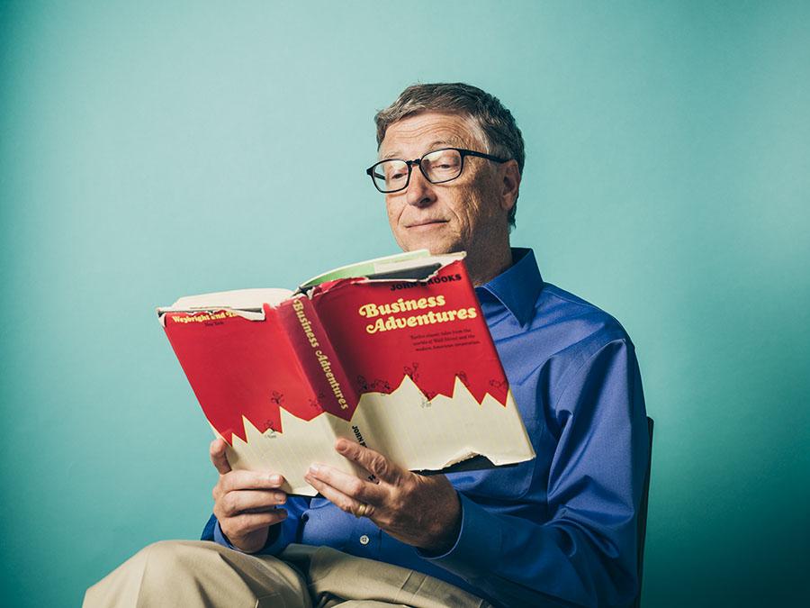 """La """"regla de las 5 horas"""" que utiliza Bill Gates para hacer su rutina laboral más productiva"""