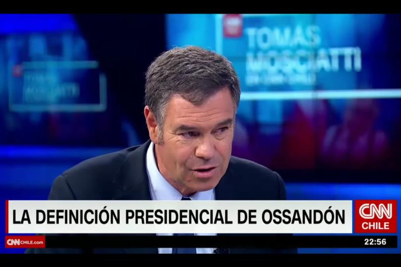Guarden este video: Ossandón ofrece combos durante entrevista en CNN