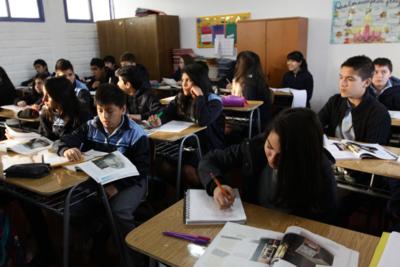 PISA: Bienestar Escolar impacta en la satisfacción de los estudiantes de Chile con su vida