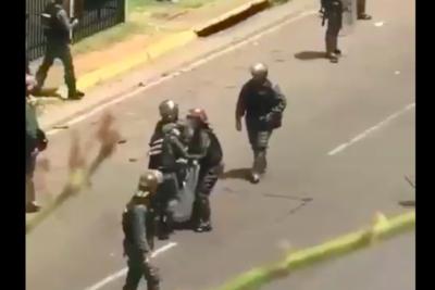 Crisis en Venezuela: dramático registro muestra momento en que joven fue asesinada durante marcha
