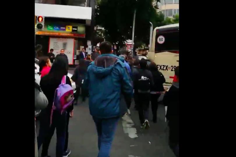 VIDEOS | Los primeros registros del temblor 7.1 y la evacuación en Valparaíso