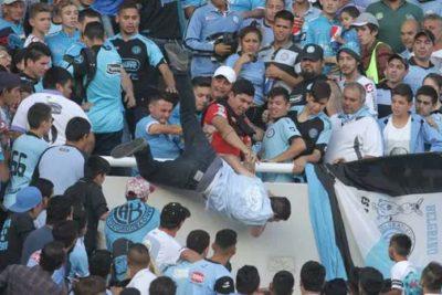 VIDEO |La historia de violencia de barrasbravas que terminó con brutal muerte de hincha en el estadio