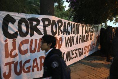 Estudiantes del Liceo Carmela Carvajal se manifiestan por falta de insumos