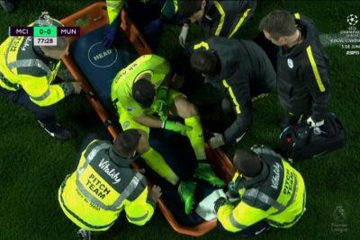 VIDEO | Claudio Bravo se lesiona en clásico de Manchester y genera preocupación en la Roja