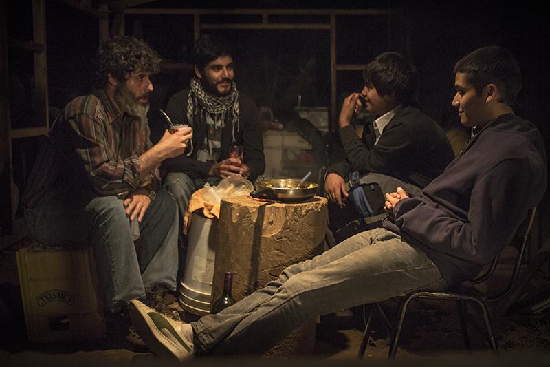 """""""Mala Junta"""": llega a los cines la aplaudida película de joven directora mapuche"""