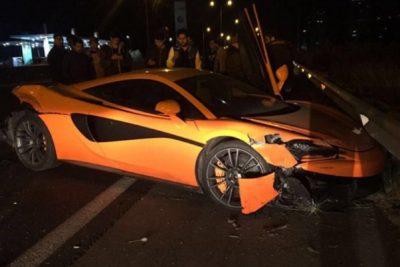 FOTO   Así quedó el McLaren de Marcelo Ríos tras accidente en Costanera norte