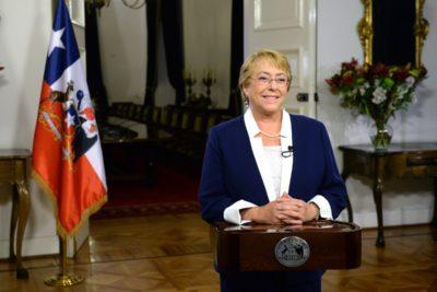 Presidenta Bachelet y reforma a las pensiones: anuncia creación de Sistema de Ahorro Colectivo