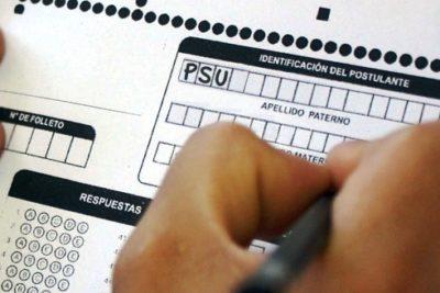 Más de una prueba al año y menos contenidos: autoridades evalúan cambios a la PSU