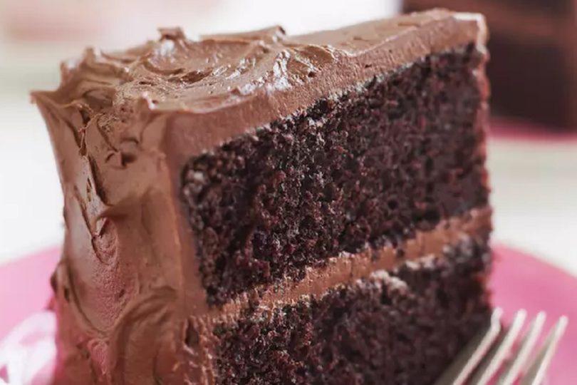 """VIDEO   Trump decidió bombardear Siria mientras comía """"el más hermoso pedazo de pastel de chocolate"""""""
