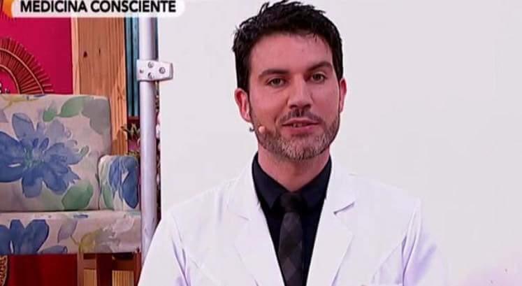 Familia de Ovalle decide dejar la quimio de su hijo con cáncer y busca cura con el doctor Soto