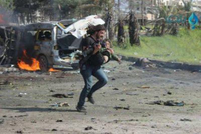 Dramáticos registros de fotógrafo que logró salvar a niño tras el último ataque en Siria