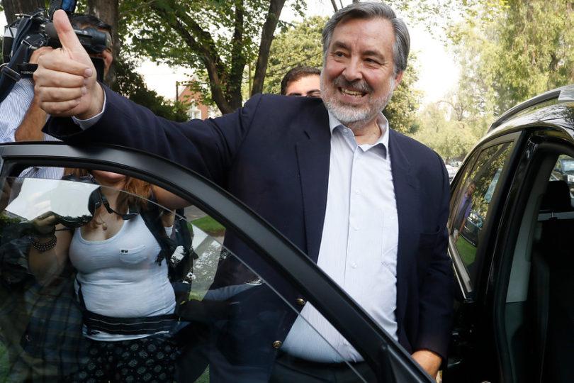 Alejandro Guillier se convierte en el candidato presidencial del Partido Socialista