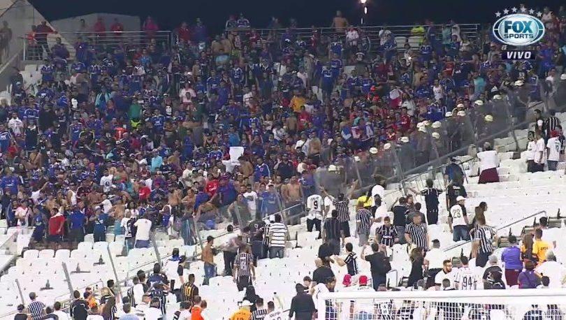VIDEOS |Si yo no tengo, nadie tiene: hinchas de la U destruyen estadio de Corinthians