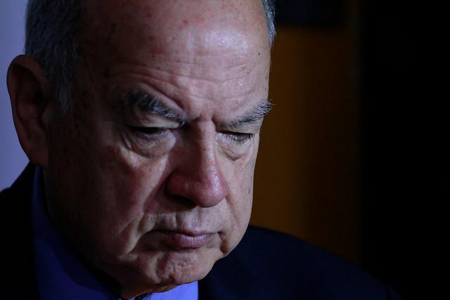 """Insulza se cuadra con Guillier y desestima las críticas laguistas: """"Todos le deben respeto"""""""