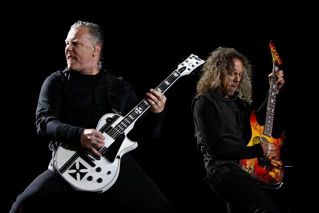 Pacopalooza: ácida crítica de Juan Manuel Astorga por Carabineros en Metallica